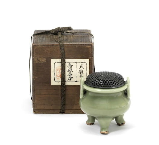 A small Longquan celadon-glazed tripod incense burner, ding, 14th-15th century