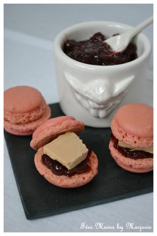 Macarons chutney de cerises et foie gras