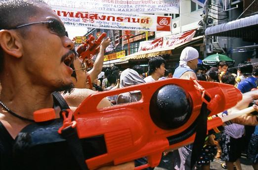 thailande_bangkok_songkran_guerrier