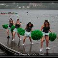 Les pom-pom girls chauffent l'ambiance