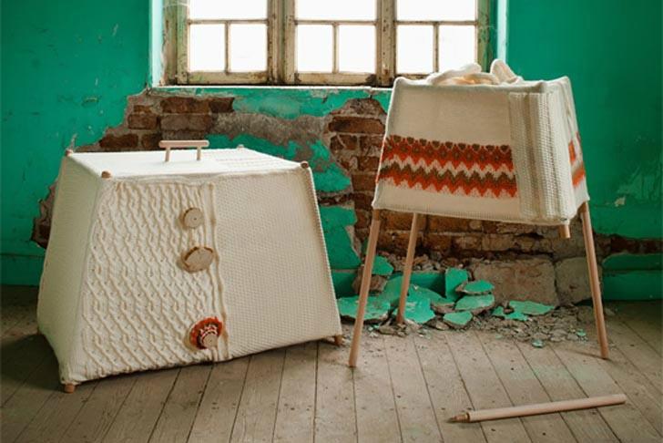 Designer-turc-fabrique-des-meubles-en-bois-et-en-laine