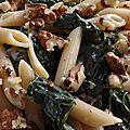 Pennes, gorgonzola, chou noir de toscane et noix.