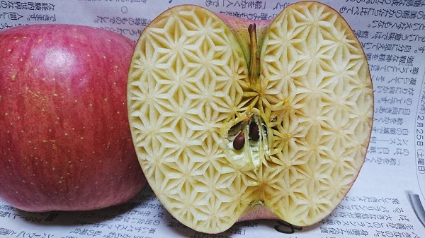 carving fruit apple 2