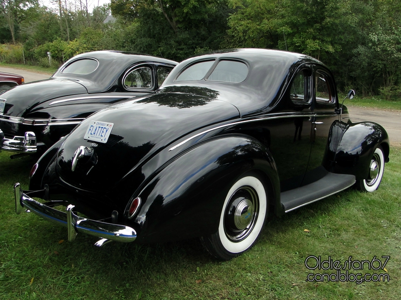 ford-deluxe-coupe-1939-02