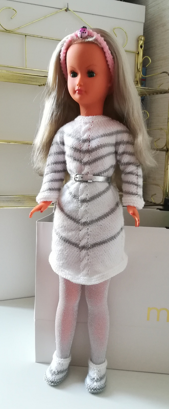 dolly robe grise
