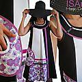 Robe trapèze Sixties bicolore Graphique Noir/ Blanc & Mauve/ violet à Imprimé Fleurs & Rubans Pois