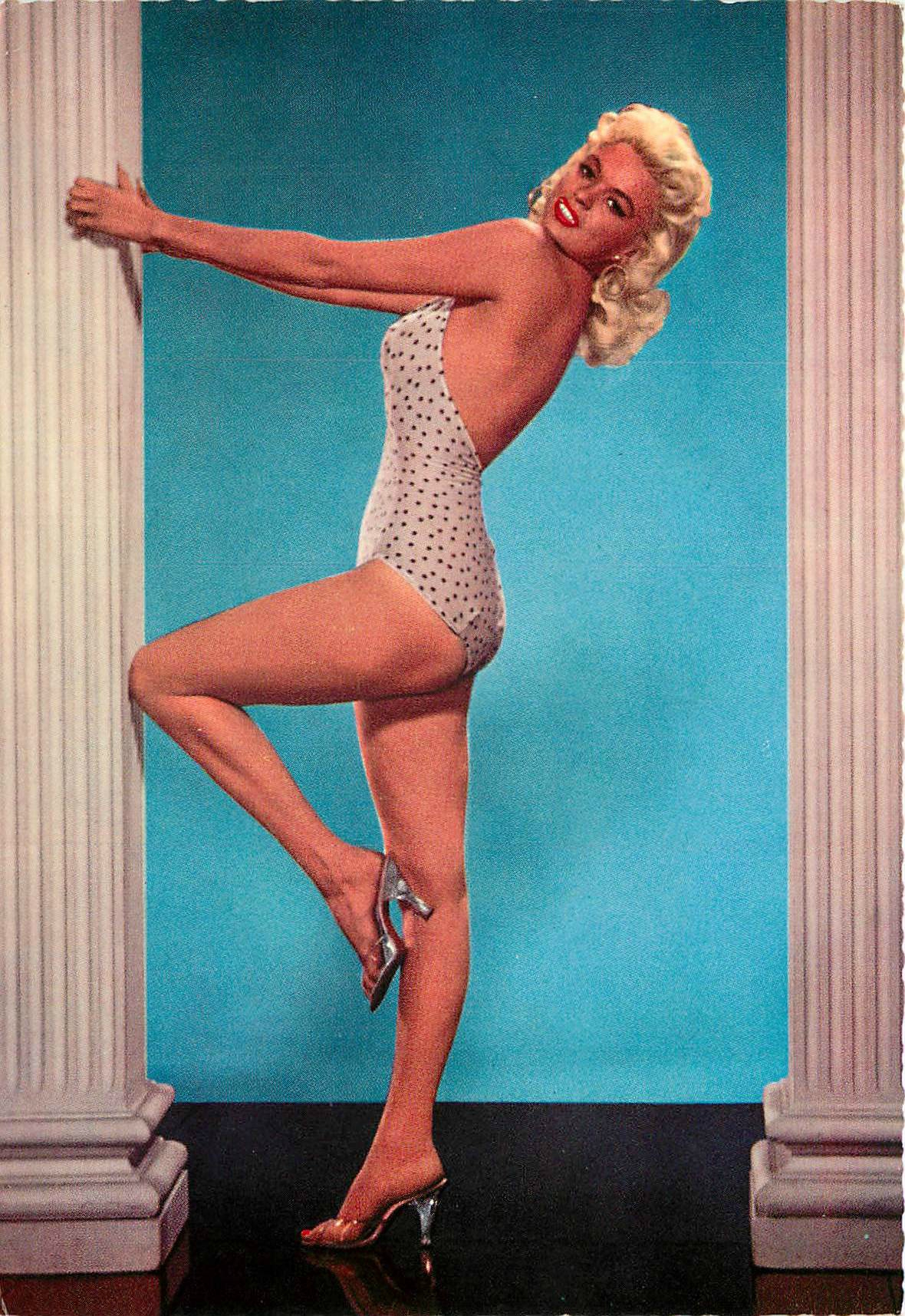 jayne_swimsuit_poids-1956-the_girl_cant_help_it-pub-1-3