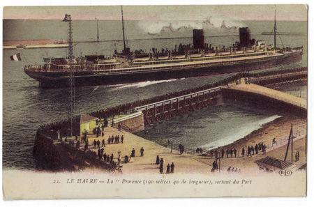 76 - LE HAVRE - La Provence sortant du port