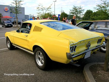 Ford mustang GTA fastback de 1967 (Rencard Burger King septembre 2011) 02