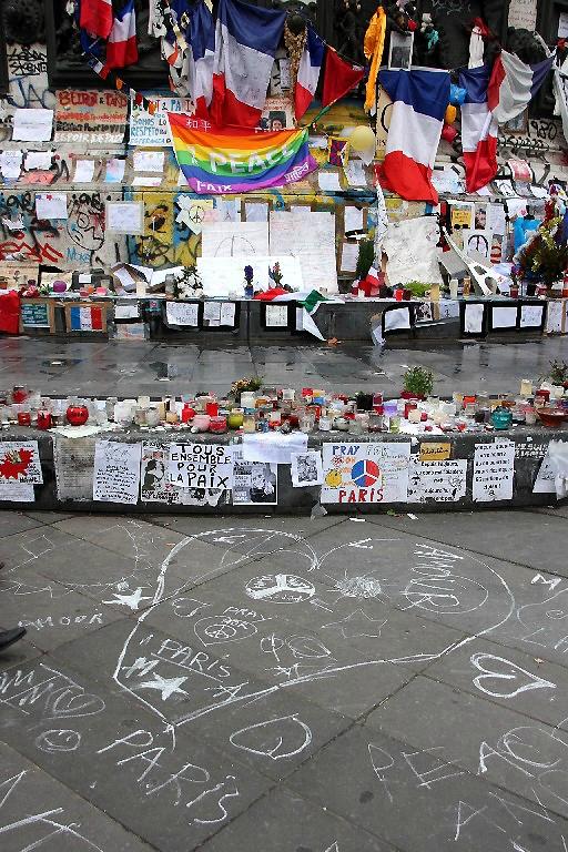 Hommage attentats Répu 13-11-15_7539