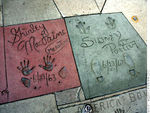 grauman_chinese_prints_shirleymaclaine