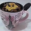 Mug cake chocolat noir, coeur coulant de peanut butter