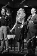 Jerry_Hall-1990-02-01-london-lyric_theatre-Bus_Stop-on_stage-1-1