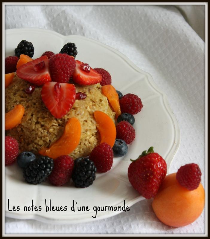 cake_bowl_et_ses_fruits_Les_notes_bleues_d_une_gourmande