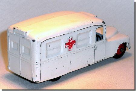 Dinky Toys Ambulance Daimler 253 B