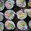 Maki au saumon cuit et avocat