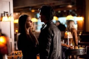 The_Vampire_Diaries_The_New_Deal_Season_3_Episode_10_8_550x366