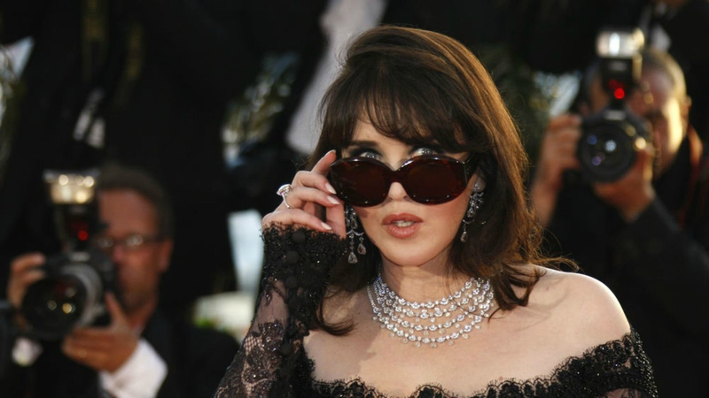 actress-isabelle-adjani-attends-a-photocall-after-the-award-ceremony-of-the-62nd-cannes-film-festival_2414842