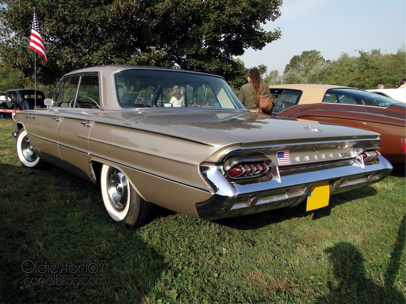 buick-invicta-sedan-1961-02