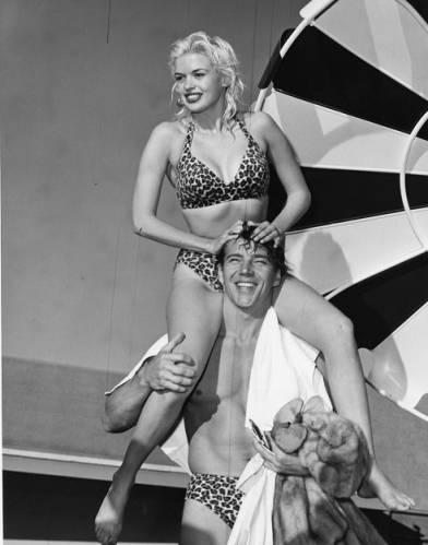 jayne_bikini_leopard-1956-12-15-las_vegas-with_mickey-2-2